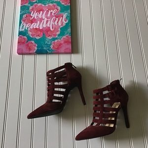 NWOT Strappy Zipper Buckle Pointed Toe Heels